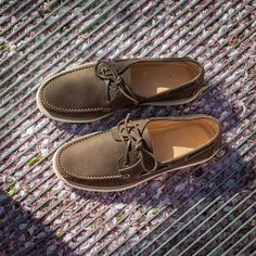 """Words are but the signs of ideas."" Samuel Johnson  Comòd, our #boatshoes in brown nubuck leather available online at www.velasca.com. Link in profile to #shop.  #velascamilano #madeinitaly #shoes #shoesoftheday #shoesph #shoestagram #shoe #fashionable #mensfashion #menswear #gentlemen #mensshoes #shoegame #style #fashion #dapper #men #shoesforsale #shoesaddict #sprezzatura #dappermen #craftsmanship #handmade  #moccasins #moccasin #mocassini #sneakers #boatsandshoes"