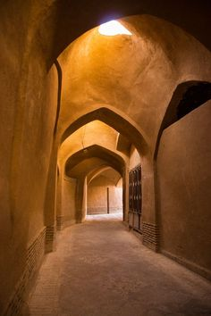 Sar Yazd Castle in Yazd, Iran wins the grand prize for the 2014 UNESCO Asia-Pacific Cultural Heritage Persian Architecture, Futuristic Architecture, Modern Architecture, Cultural Architecture, Bali House, Beautiful Buildings, Beautiful Places, Beautiful Pictures, Iran Pictures