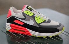 Nike Air Max Lunar90 WR Light Ash Grey / White Black / Laser Crimson
