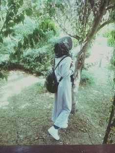 Muslim Girls Photos, Stylish Girls Photos, Stylish Girl Pic, Cute Girl Poses, Girl Photo Poses, Girl Photography Poses, Hijabi Girl, Girl Hijab, Cool Girl Pictures