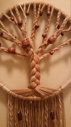 Embroidery Hoop Projects Dream Catchers Ideas For 2019 Embroidery Hoop Decor, Towel Embroidery, Embroidery Hoop Art, Hand Embroidery Designs, Embroidery Stitches, Macrame Patterns, Weaving Patterns, Dream Catcher Tutorial, Weaving Yarn