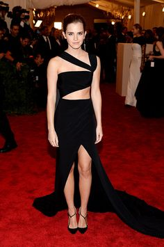 "Met Gala 2013 ""Punk: Chaos to Couture"": Emma Watson en un look de Prabal Grung."