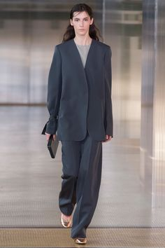 The Slouchy Pantsuit Trend in 1997 and in 2017