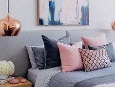 Rosa quartz: 5 ideias para decorar com romantismo usando a cor da moda. Veja mais em: http://lilianazenaro.com.br/blog/rosa-quartz-como-decorar-usando-a-cor-da-moda/