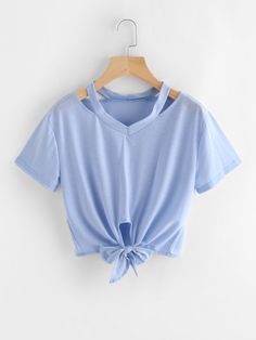Shop Cut Out Neck Knot Crop Tee online. SheIn offers Cut Out Neck Knot Crop Tee & more to fit your fashionable needs. Cropped Tops, Cute Crop Tops, Teen Crop Tops, Crop Top Outfits, Cute Casual Outfits, Summer Outfits, Stylish Outfits, Men Casual, Teen Fashion Outfits