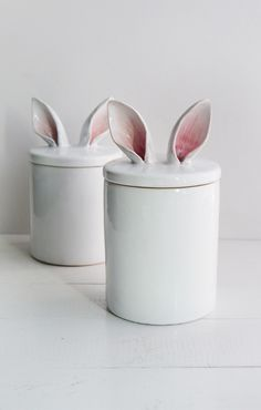 Container with rabbit ears, white food container, ceramic kitchen container, rabbit decoration, containter for school supplies Kitchen Containers, Food Containers, Ceramic Painting, Ceramic Art, Coil Pots, Ceramic Boxes, Practical Gifts, Meaningful Gifts, Earthenware