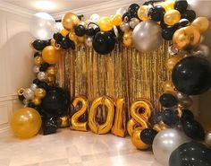 Endgültige ▷ The Final Guide to Golden Awards Decor TOP – Uma Decoracion - Decoration For Home Graduation Party Planning, College Graduation Parties, Graduation Balloons, Graduation Decorations, Grad Parties, Balloon Decorations, Birthday Party Decorations, Graduation Backdrops, Graduation Ideas