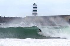 Portogallo, le migliori spiagge dove fare surf (e non solo) anche adesso | GQ Italia 13-11-2020 | Lunghissime, di sabbia finissima: questi luoghi sono il rifugio ideale per surfisti provenienti da tutto il mondo in cerca dell'onda perfetta. Sì, anche in questo periodo Algarve, Wave, Italia
