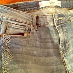 Abercrombie embroidered jeans Really cute Abercrombie and Fitch embroidered jeans NEVER WORN Abercrombie & Fitch Jeans
