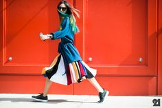 Street style at New York Fashion Week SS15: Irene Kim in striped skirt and robe cardigan #NYFW via Le 21ème |