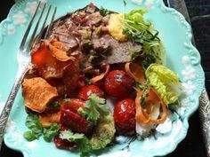 Grillad oxfilé med bacon- och pistaschströssel Receptbild - Allt om Mat