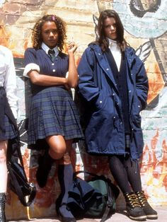 best 90s fashion films: the craft 70s Fashion, Vintage Fashion, Jackie Brown, Preppy Boys, Foxy Brown, Robin Wright, Frilly Dresses, 90s Outfit, 2020 Fashion Trends