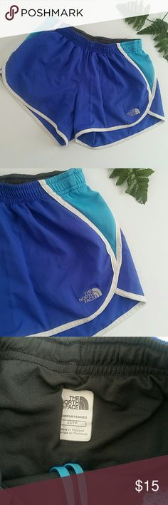🎀THE NORTH FACE RUNNING SHORTS🎀 In pre loved excellent condition.  The north face running / performance shorts. Cobalt blue  . Lining.  Zippered pocket on the back. . Size XS. Adjustable waistband. The North Face Shorts