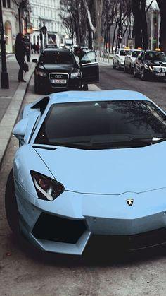 Lamborghini Diablo, Lamborghini Veneno, Blue Lamborghini, Lamborghini Photos, Luxury Sports Cars, Top Luxury Cars, Sport Cars, Exotic Sports Cars, Fancy Cars