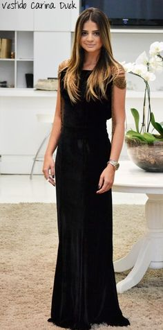 Black Dress - Thassia Naves