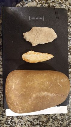 Indian Artifacts, Native American Artifacts, Native American Indians, Stone Age Tools, School Of Rock, Buckets, Weapons, Eye Candy, Rocks