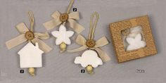 www.mpomponieres.gr Μπομπονιέρες βάπτισης λευκά κρεμαστά σαπουνάκια σε διάφορα σχέδια τα οποία είναι μέσα σε κουτάκι. Στη τιμή περιλαμβάνονται πέντε κουφέτα αμυγδάλου ή smarties. Κάθε μπομπονιέρα κατασκευάζεται με ελεγμένα υλικά υψηλής ποιότητας, υπό την επίβλεψη και προσωπική μας φροντίδα, αποκλειστικά και μόνο στο χώρο μας. http://www.mpomponieres.gr/mpomponieres-vaptisis/mpomponiera-vaptisis-sapounaki-se-kouti.html #mpomponieres #bombonieres #vaptisi #baptisis