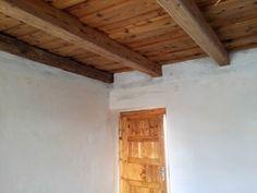 fa födémek építése Fa, Wabi Sabi, Modern, House, Furniture, Home Decor, Farm Cottage, Cottage Chic, Trendy Tree