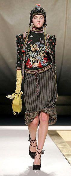 KENZO – High Fashion / Ethnic & Oriental / Carpet & Kilim & Tiles & Prints & Embroidery.