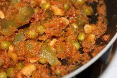 Peas, Bell pepper, Cashew in Tomato Cilantro Curry