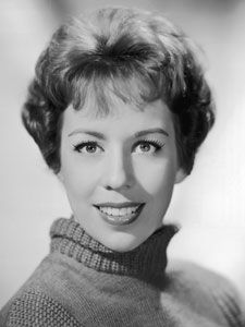 Examples of funny beautiful women for Micheal Eisner from previous generations: Carol Burnett, Lily Tomlin, Jane Curtain and Bernadette Peters can join Goldie Hawn and Lucille Ball. Hollywood Icons, Hollywood Celebrities, Hollywood Stars, Classic Hollywood, Old Hollywood, Hollywood Bedroom, Hollywood Glamour, Hollywood Actresses, The Comedian