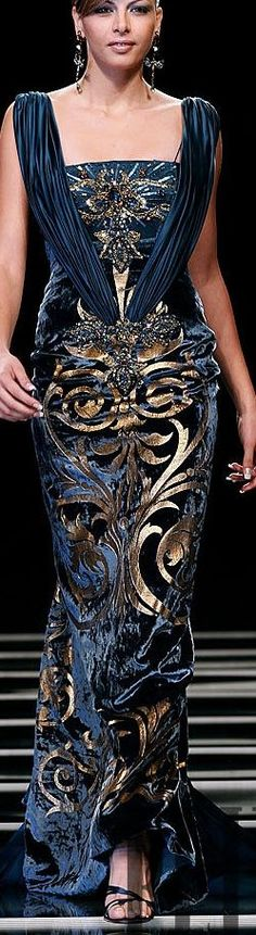 Ella Zahlan blue and gold gown Stunning Dresses, Beautiful Gowns, Elegant Dresses, Pretty Dresses, Beautiful Outfits, News Fashion, Beauty And Fashion, Mode Glamour, Mode Style