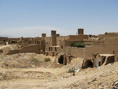 The old town of Yazd has many crumbling and abandoned sections. Sassanid, If Rudyard Kipling, Arabian Nights, Capital City, Old Town, Iran, Monument Valley, Persian, Abandoned