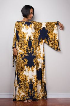 Artículos similares a Kaftan, Floral Boho Dress, Maxi dress, Oversized dress, Loose fit dress with flower print : Funky Elegant Collection en Etsy African Maxi Dresses, Latest African Fashion Dresses, African Attire, Abaya Fashion, Fashion Outfits, Kaftan Designs, Mode Abaya, Boho Floral Dress, Short Gowns