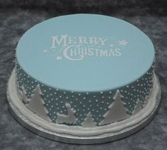 Merry Christmas cake - It's all about the cakes - Kuchen Bilder Christmas Cake Designs, Christmas Cake Decorations, Christmas Cupcakes, Christmas Sweets, Christmas Cooking, Holiday Cakes, Christmas Goodies, Merry Christmas, Winter Christmas