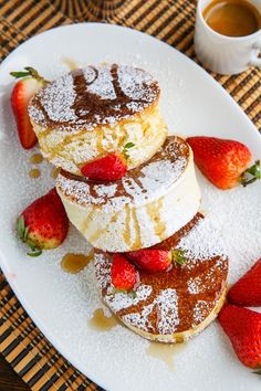Super fluffy Japanese style souffle pancakes with fresh lemon curd and blueberries Souffle Pancakes, Savory Pancakes, Pancakes And Waffles, Lemon Pancakes, Japanese Souffle Pancake Recipe, Japanese Pancake, Japanese Fluffy Pancakes, Baking Recipes, Dessert Recipes