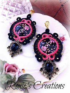 https://www.facebook.com/Roxies-Creations-1425843984294757/