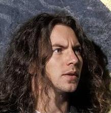Eddie could be modeling for Hans Holbein. Hij is van een grote schoonheid. Beatles, Pearl Jam Posters, Mister Ed, Pearl Jam Eddie Vedder, Chris Cornell, Beautiful Lips, Human Art, Cool Bands, Jon Snow
