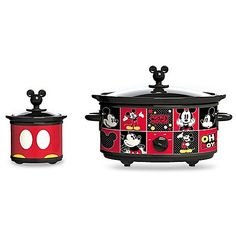 Make your meals in a fun and adorable way with the Disney Mickey Mouse Slow Cooker. The iconic Mickey Mouse character surrounds the cooker that has multiple heat settings to cook anything from stews to whole chickens. Disney Mickey Mouse, Cozinha Do Mickey Mouse, Mickey Mouse Kitchen, Disney Kitchen Decor, Disney Home Decor, Kitchen Themes, Disney Decorations, Kitchen Ideas, Kitchen Supplies