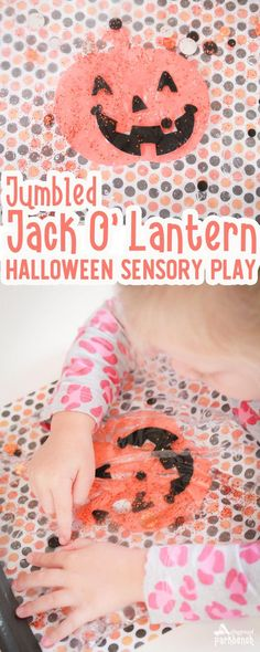 Challenge your preschooler's fine motor skills with this Halloween sensory play bag featuring a Jumbled Jack O' Lantern. Make your own in seconds with supplies from the Dollar Store via @playgroundpb