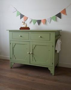 commode vintage groen