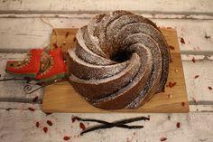 Ihanan helppo ja nopea kakku. tehty 2,3l vuokaan.      Ohje:  7dl viljatuotteen vaaleaa jauhoseosta  2 dl fariinisokeria  3tl soodaa  30...