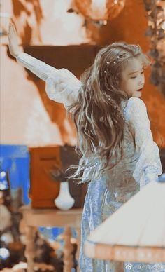 Girl Photo Poses, Girl Photos, Aesthetic Photography Nature, Iu Fashion, Korean Celebrities, Celebs, Beautiful Girl Image, Cute Cartoon Wallpapers, Kawaii Girl