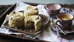 Mary Berry makes it easy with this delicious coffee and walnut cake. Equipment and preparation: You will need two loose-bottomed sandwich tins. Cake Recipes Bbc, Baking Recipes, Dessert Recipes, Mini Desserts, Muffin Recipes, Dessert Ideas, Cake Ideas, Great British Bake Off, Scones