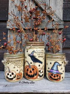 Halloween set of Three Jars Something Wicked This Way Comes image 0 Halloween Jars, Halloween Lanterns, Holidays Halloween, Halloween Crafts, Halloween Decorations, Pot Mason, Mason Jar Crafts, Mason Jar Diy, Bottle Crafts