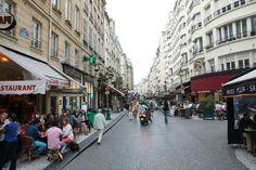 une rue piètonne en plein Paris à découvrir - Rue Montorgueil, Paris