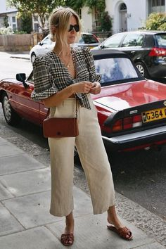 how to style cropped linen pants