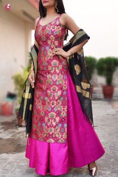 Kaufen Sie Magenta Banarasi Padded Kurta Online in Indien Silk Kurti Designs, Kurta Designs Women, Kurti Designs Party Wear, Patiala Suit Designs, Latest Salwar Suit Designs, Blouse Designs, Indian Gowns Dresses, Indian Fashion Dresses, Dress Indian Style