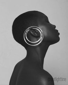 Dew Magazine - Aaricia Varanda on Behance Jewelry Photography, Portrait Photography, Fashion Photography, Black Women Art, Black Art, Aurelie Biderman, Style Feminin, Black Models, African Beauty