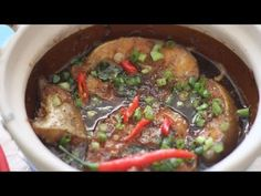 Cá kho - Vietnamese Caramelized Fish - YouTube -- vietnamese comfort food. also in english!