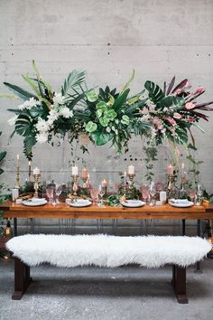 Stylish Tropical Wedding Inspiration in the Pacific Northwes.- Stylish Tropical Wedding Inspiration in the Pacific Northwest ⋆ Ruffled tropical wedding receptions - Tropical Wedding Reception, Reception Party, Reception Decorations, Table Decorations, Wedding Receptions, Reception Ideas, Wedding Ceremony, Party Wedding, Wedding Catering