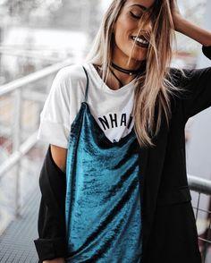"2,751 Me gusta, 19 comentarios - Sofia Reis (@mexiquer) en Instagram: ""Blue velvet  full look on the blog soon #ootd #details #outfit #pullandbear"":"