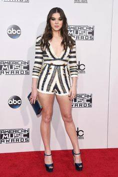 Hailee Steinfeld | Here's What The Stars Wore To The 2015 AMAs
