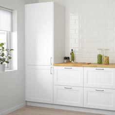 White Ikea Kitchen, Ikea Kitchen Design, Ikea Kitchen Cabinets, Cozy Kitchen, Kitchen Doors, White Cabinets, Kitchen Foil, Ikea Galley Kitchen, Kitchen Ideas