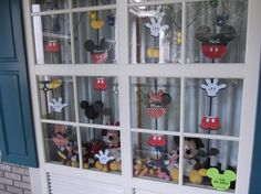 Photos of Guest Decorated Windows - Page 41 - The DIS Discussion Forums - DISboards.com