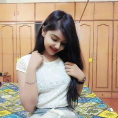 cute girl photo Indian Beautiful Girls - Online Information 24 Hours Lovely Girl Image, Beautiful Girl Photo, Beautiful Girl Indian, Stylish Girls Photos, Stylish Girl Pic, Girl Photos, Girl Pictures, Preety Girls, Cute Girls